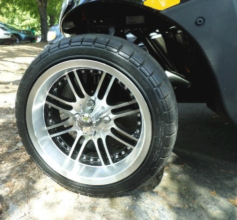 custom golf cart wheel on a low profile golf cart tire