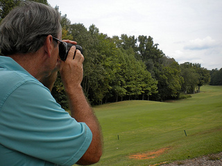 bushnell golf range finder