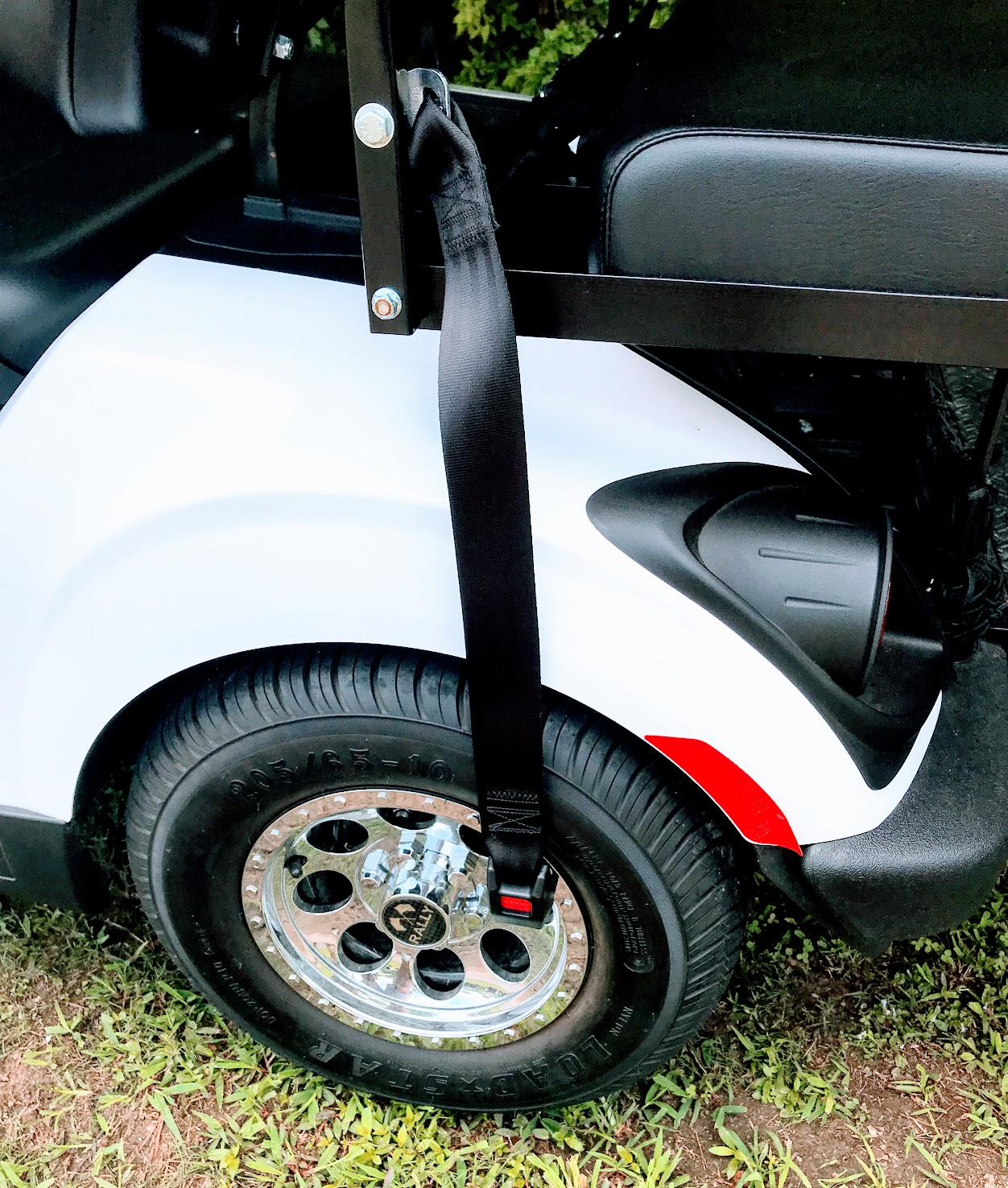 why you want retractable golf cart seat belts